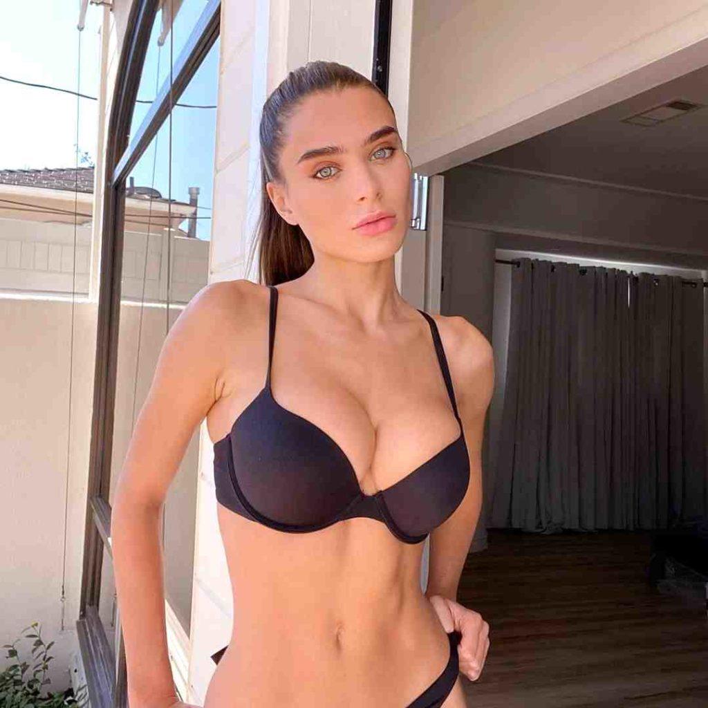 sexy egyptian woman