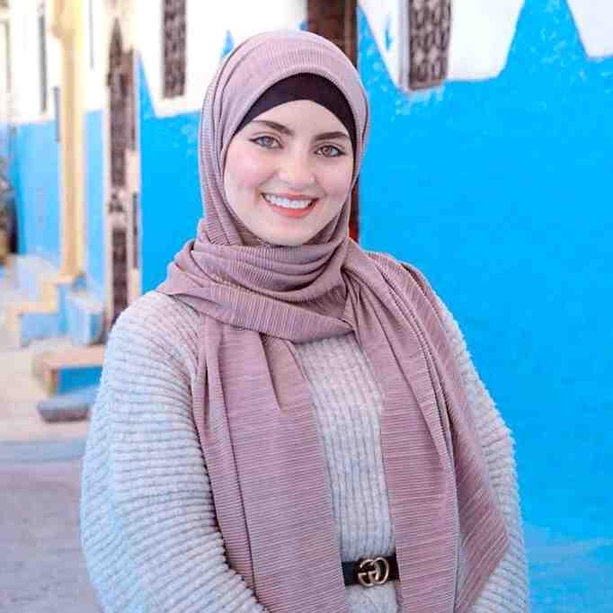 beautiful iranian woman