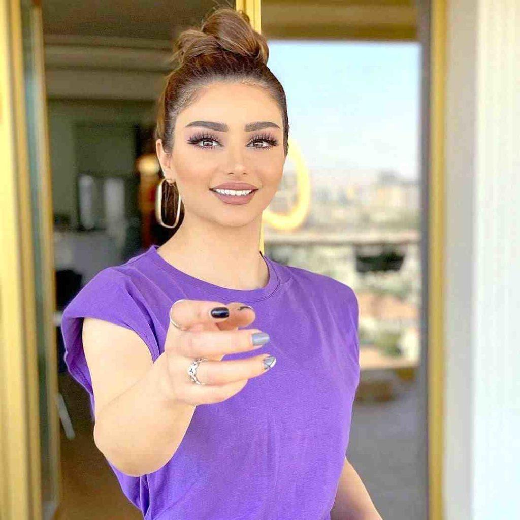 beautiful syrian girl